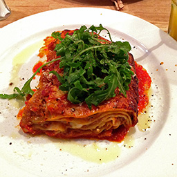 Beef lasagne with rocket